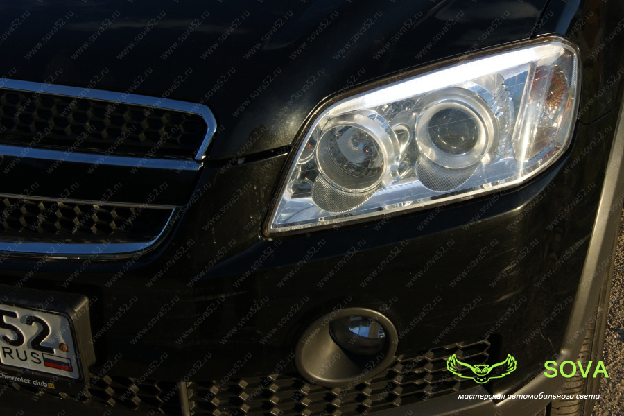 Chevrolet Captiva. Дневные ходовые огни в штатные реснички фар. SOVA